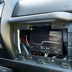 Stealthy audio installation in a 2006 Jeep Wrangler Unlimited
