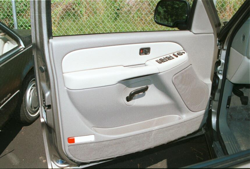 chevy suburban gmc yukon xl front door & How to Install New Audio Gear in Your 2000-2006 Chevrolet Suburban ...