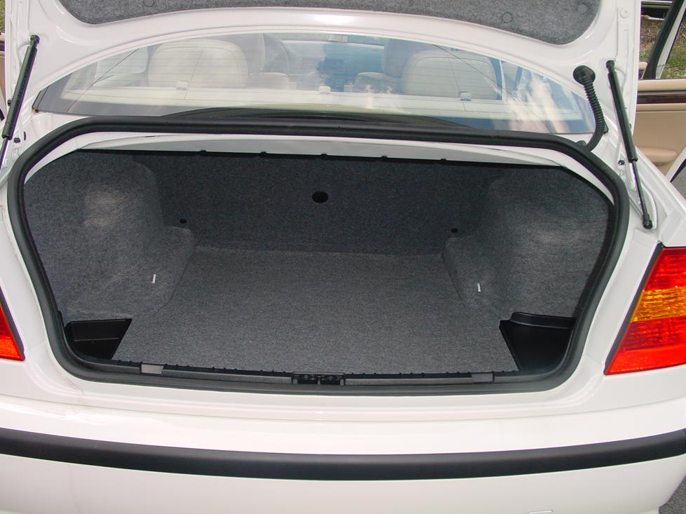 BMW 3 series trunk