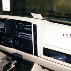 1993 Jeep Wagoneer XJ Factory Radio