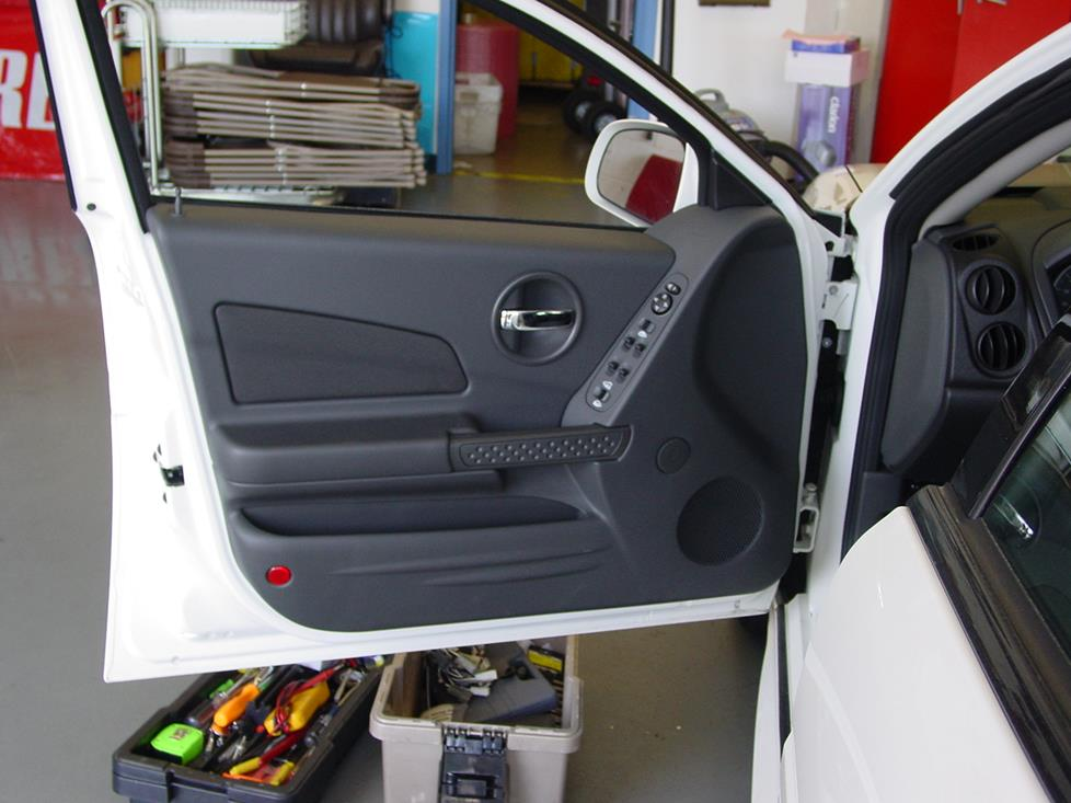 upgrading the stereo system in your 2004-2008 pontiac grand prix  crutchfield