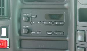 2005 Chevrolet C4500 Factory Radio
