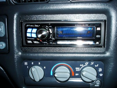 Alpine CDA 9853 Head Unit