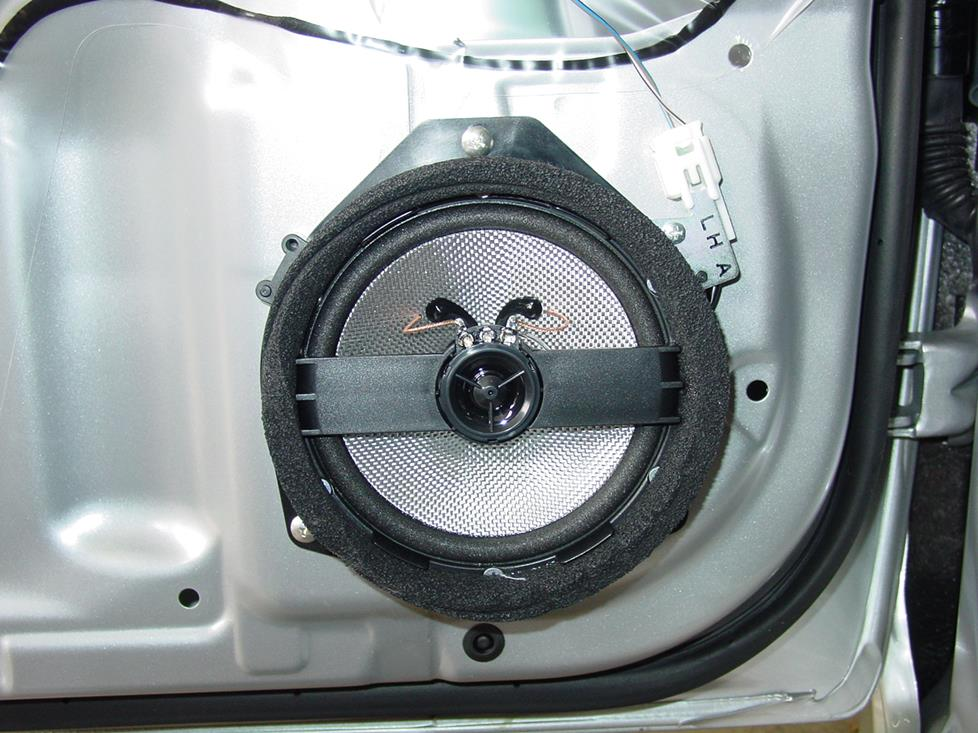 Upgraded door speaker with tweeter (Crutchfield Research Photo)