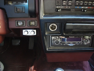 head unit and bass remote/><p class=
