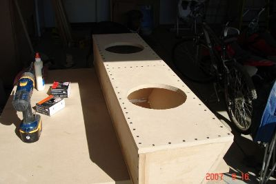 Building the subwoofer box/><p class=