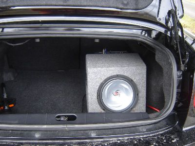 Kenwood sub with the amp mounted on the other side of the box/><p class=