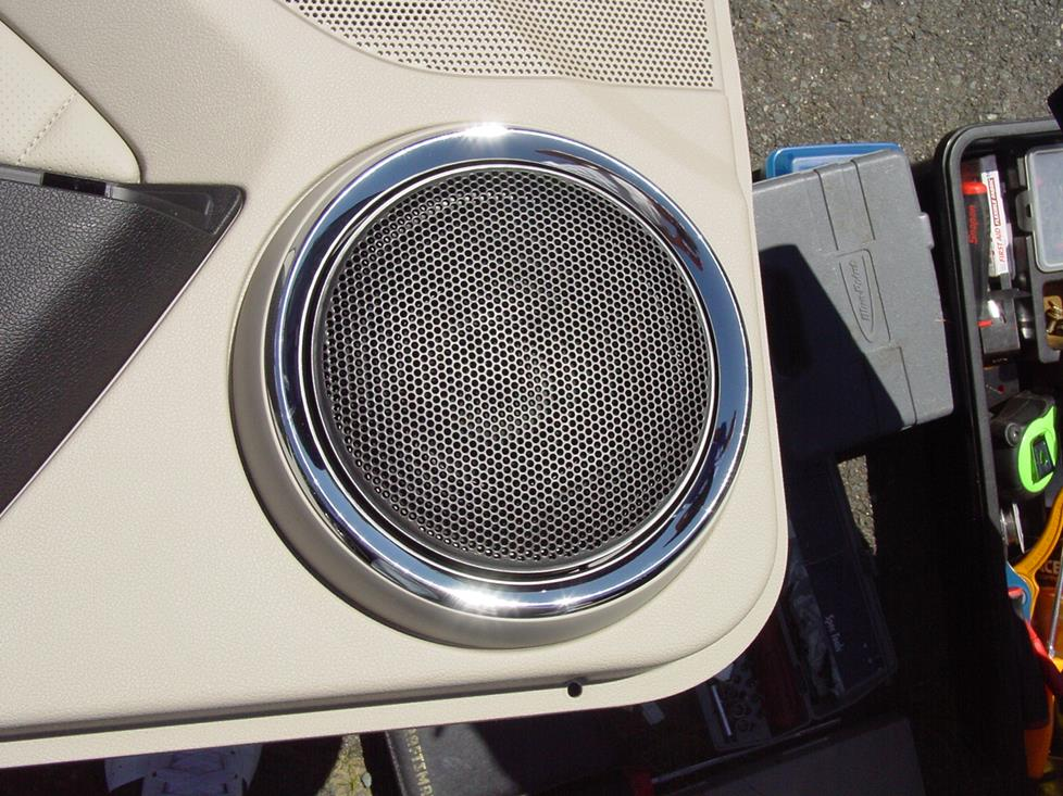 2010-2014 Ford Mustang Coupe Car Audio Profile