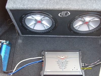 ryan rigg s 2000 chrysler lhs kicker amp subs