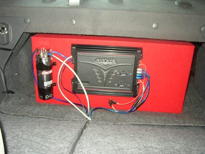 Amplifier and capacitor set up