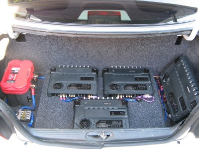Battery and amp rack.