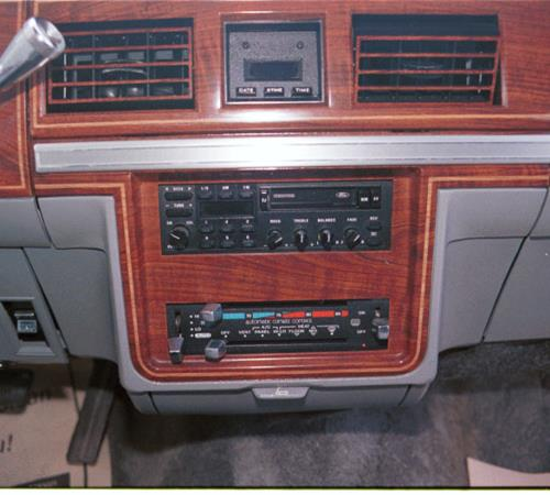 1985 Ford Country Squire Factory Radio