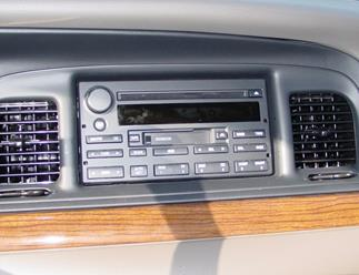 Ford Crown Victoria radio