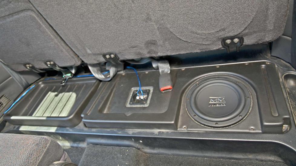 tracy k\u0027s 2003 dodge dakota club cab Jeep Wrangler Speaker Box