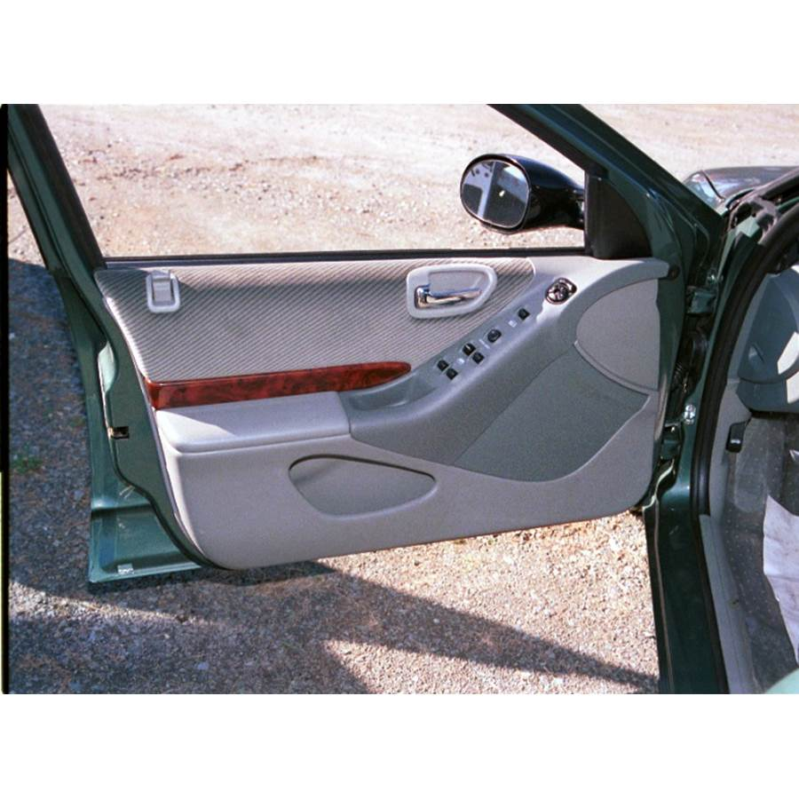 1995 Chrysler Cirrus Front door speaker location