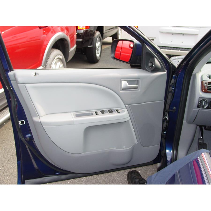 2007 Ford Five Hundred Front door speaker location