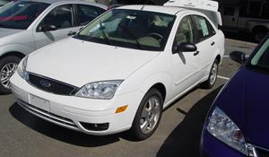 2005 Ford Focus ZX4 Exterior