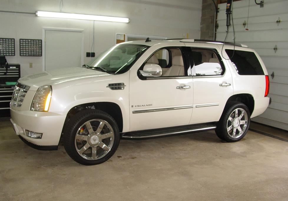 exterior 2007 2014 cadillac escalade car audio profile  at panicattacktreatment.co