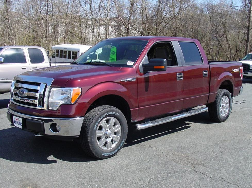 Ford F-150 SuperCrew cab pickup