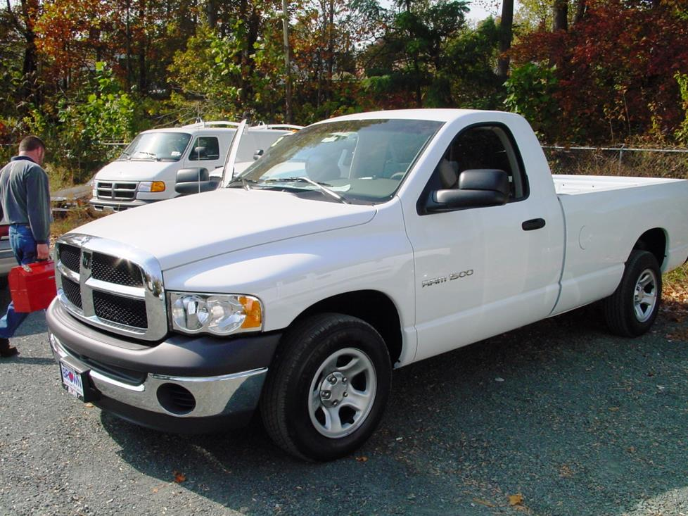 2002-05 Dodge Ram 1500 regular cab