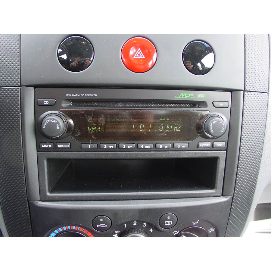 2005 Chevrolet Aveo Factory Radio