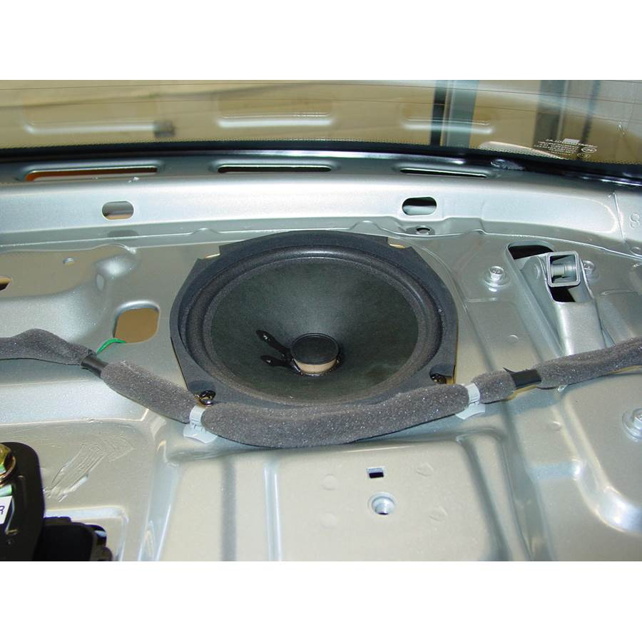 2005 Chevrolet Aveo Rear deck speaker