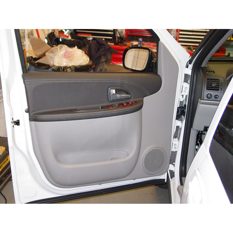 2008 Chevrolet Uplander Front door speaker location