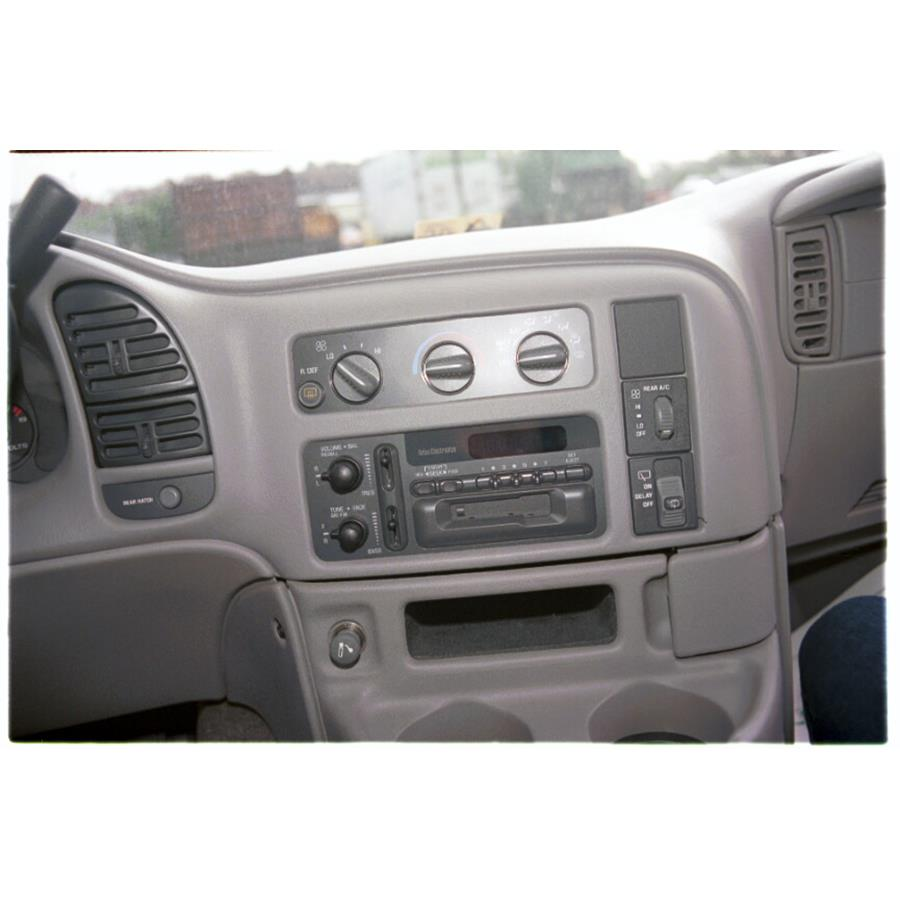 2005 GMC Safari Factory Radio
