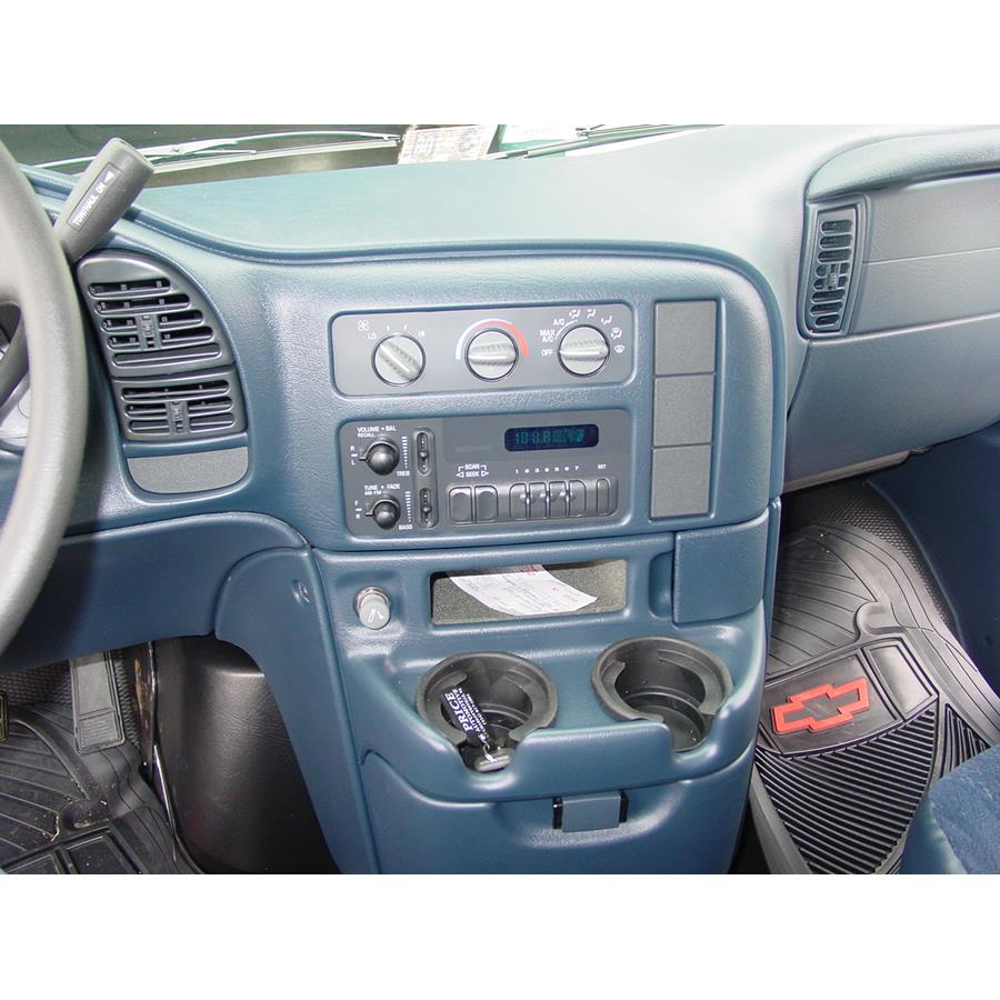 2005 GMC Safari Other factory radio option