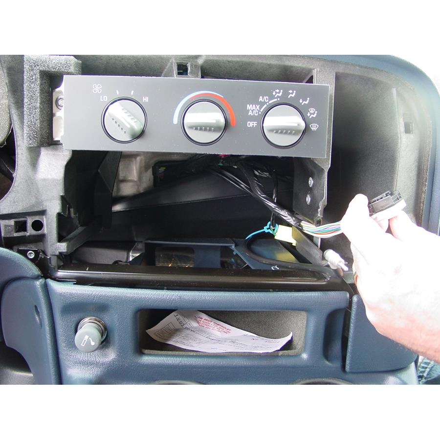 2005 GMC Safari Factory radio removed