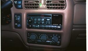 2005 Chevrolet Blazer Factory Radio