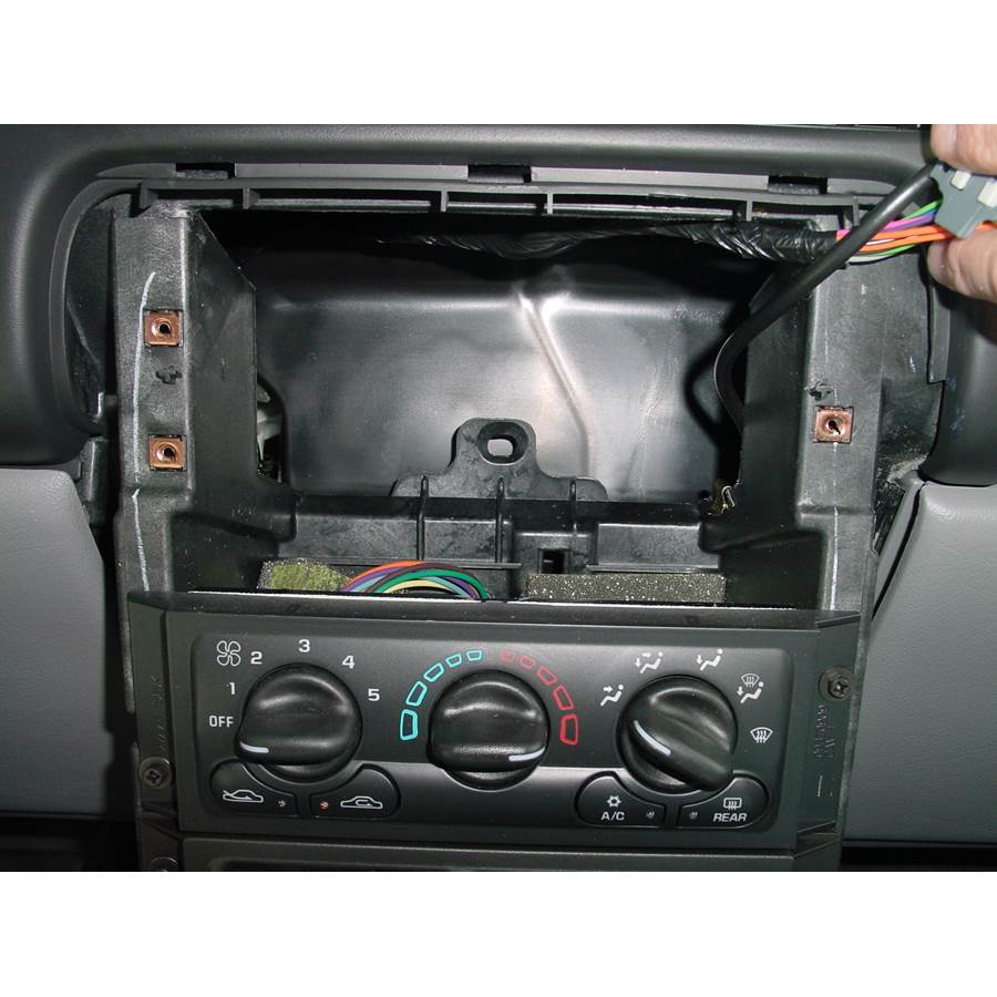 2004 Chevrolet Venture Factory radio removed