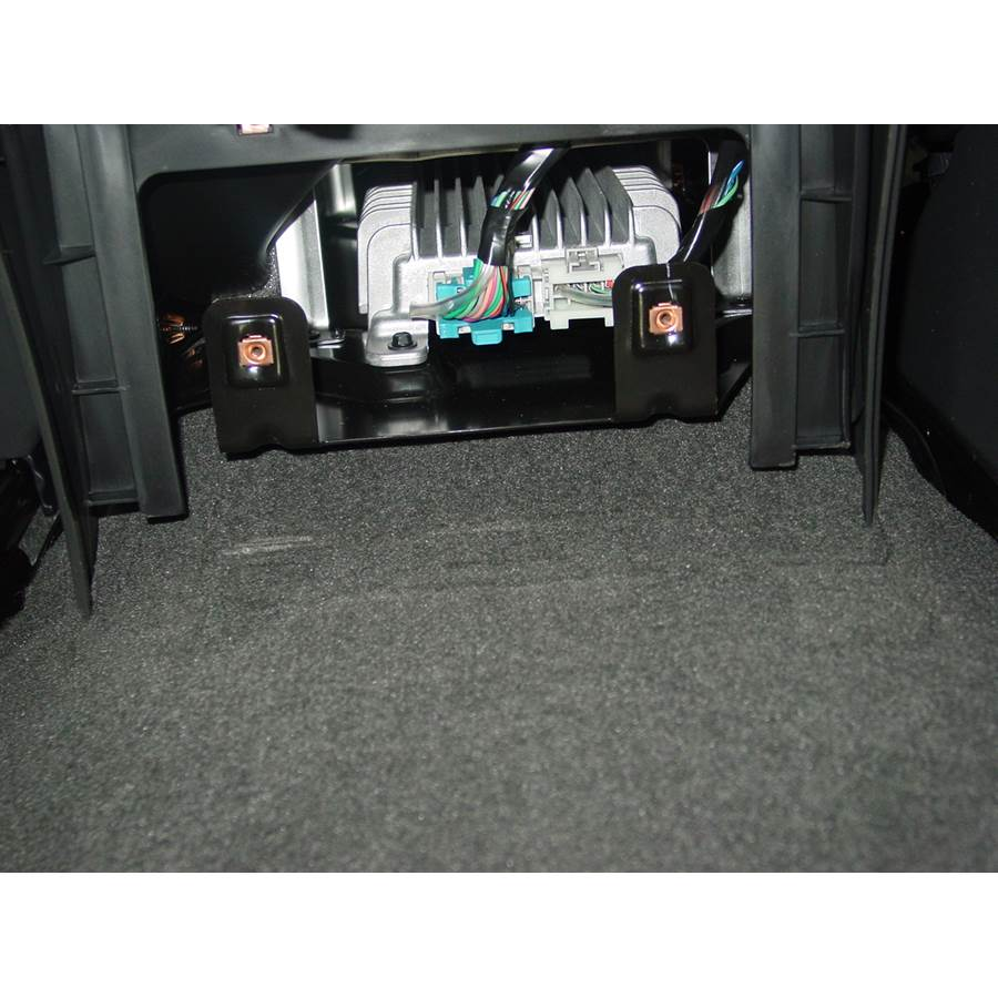 2004 GMC Yukon Factory amplifier
