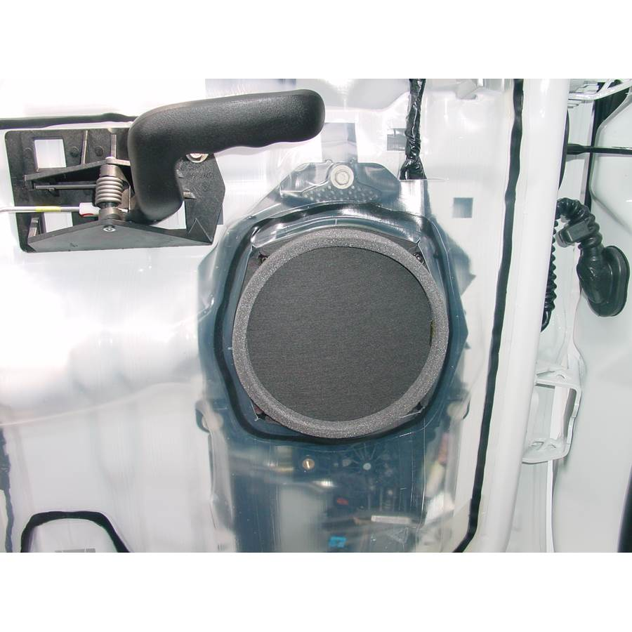 2004 Chevrolet Avalanche Rear door speaker