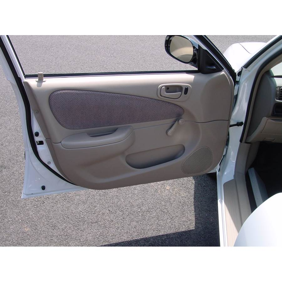 2000 Chevrolet Prizm Front door speaker location