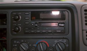 1997 Chevrolet Suburban Factory Radio