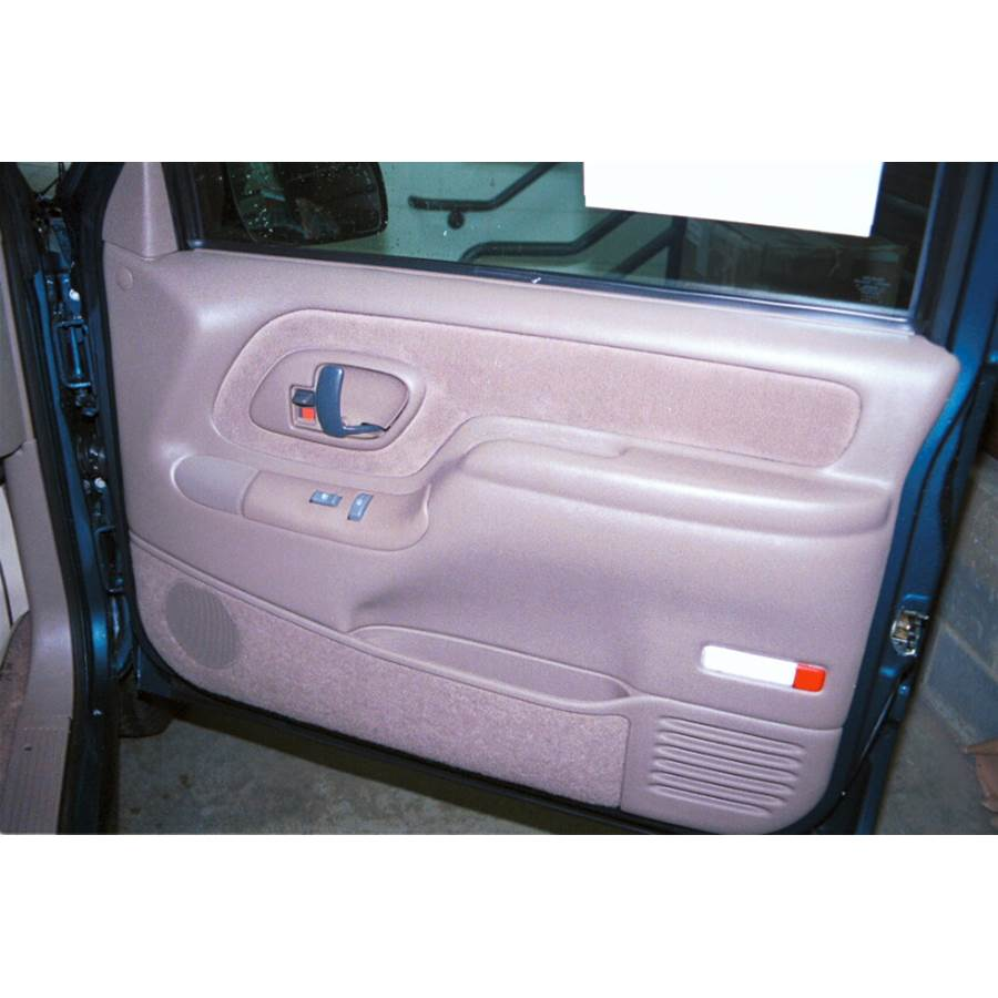 1997 GMC Suburban Front door speaker location