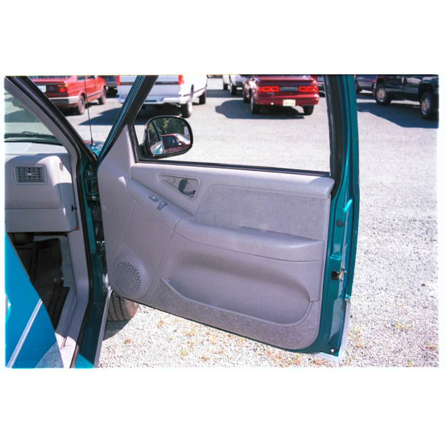 1995 GMC Jimmy Front door speaker location