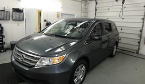 Honda Odyssey 2011-2013 w//o NAV Multi-DIN Stereo Harness Radio Install Dash Kit