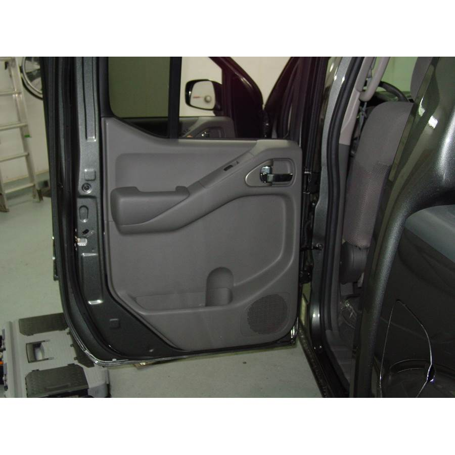 2010 Nissan Frontier LE Rear door speaker location