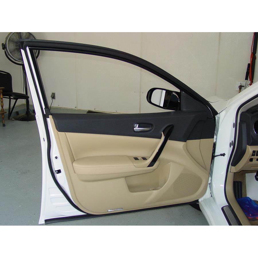 2010 Nissan Maxima Front door speaker location