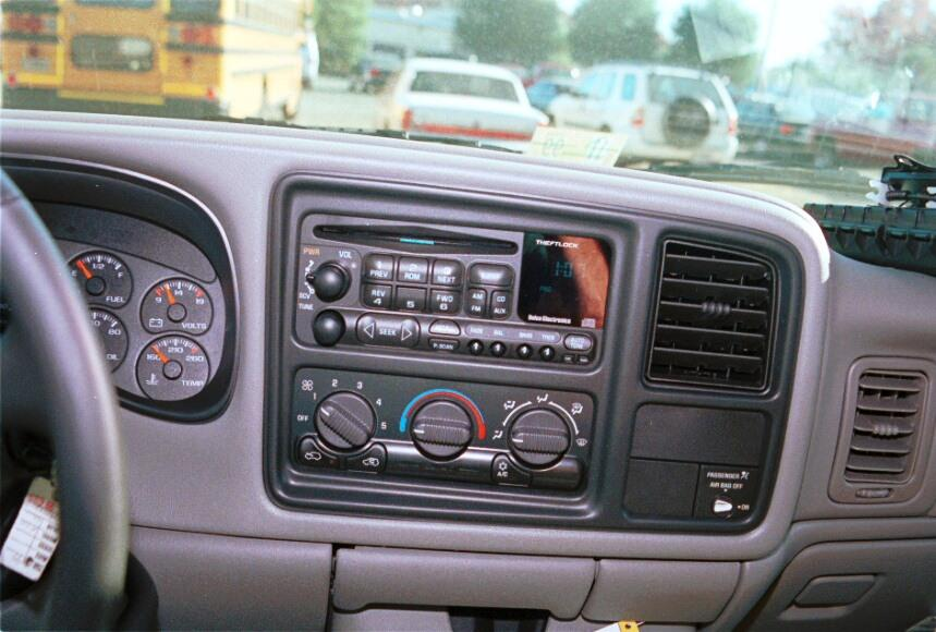 radio 1999 2002 chevrolet silverado and gmc sierra extended cab car  at nearapp.co