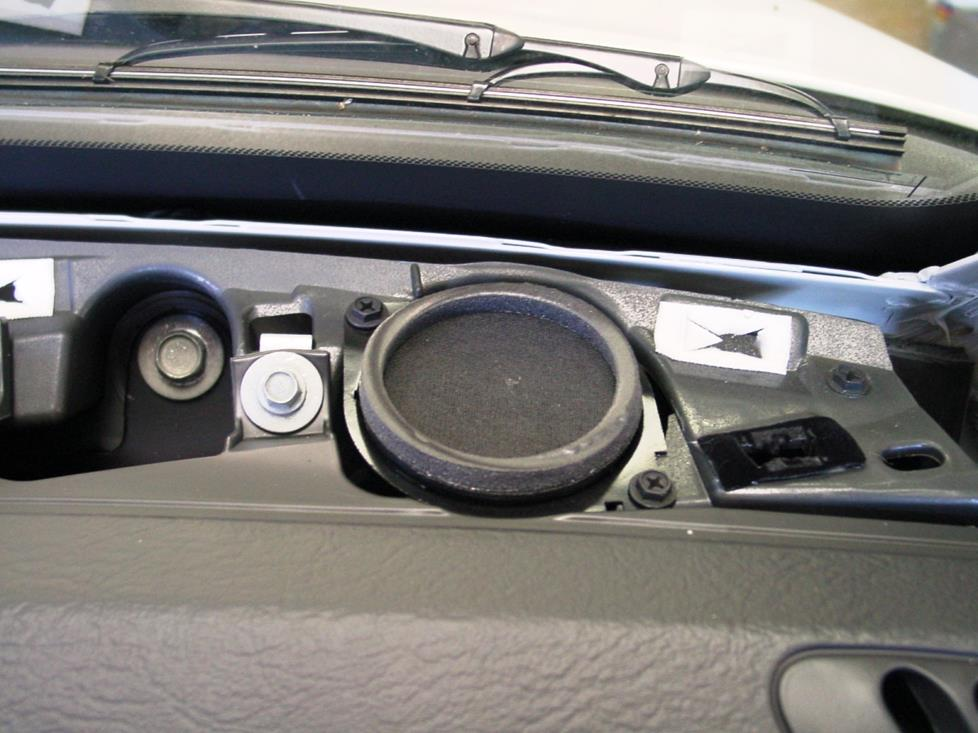 Jeep Liberty dash speakers