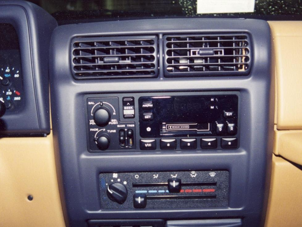 Radio on 1997 Jeep Wrangler Wiring Diagram