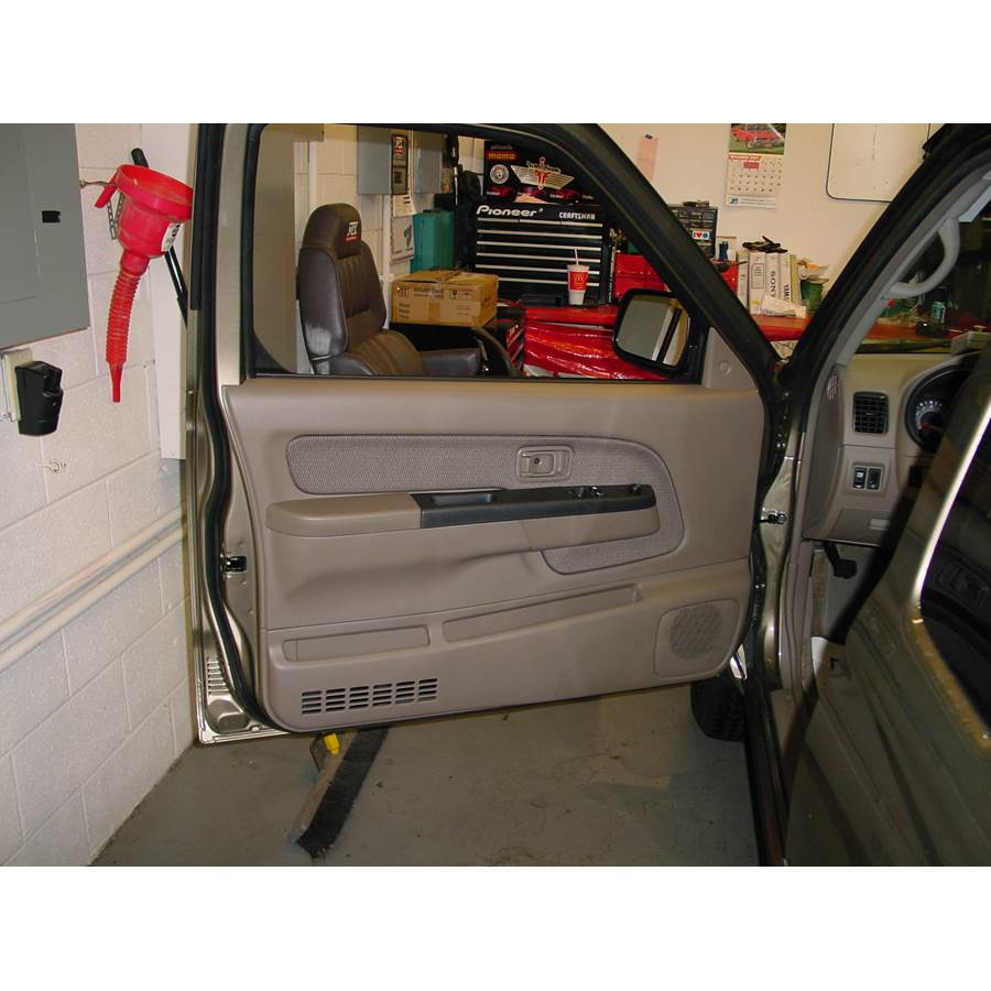 2003 Nissan Frontier Front door speaker location
