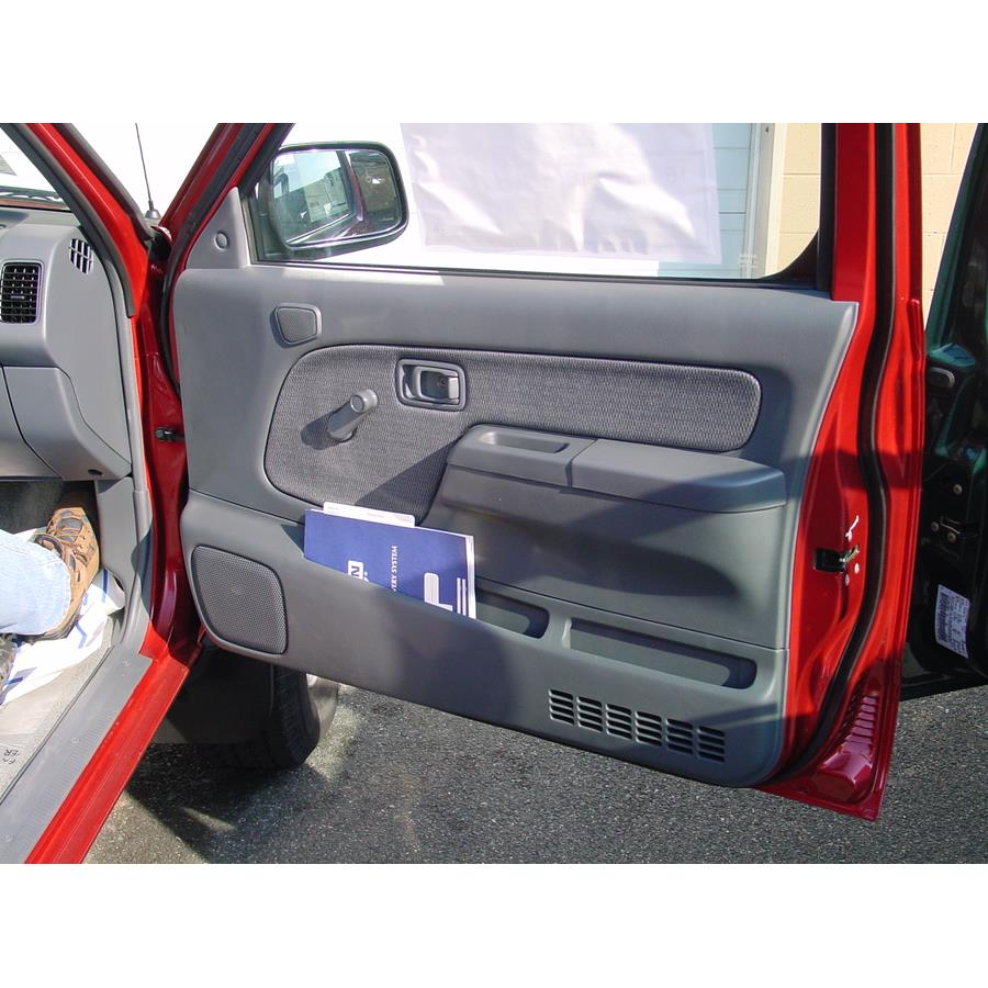 2001 Nissan Frontier Front door speaker location