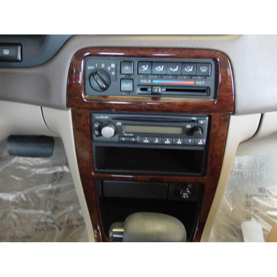 1998 Nissan Altima Factory Radio