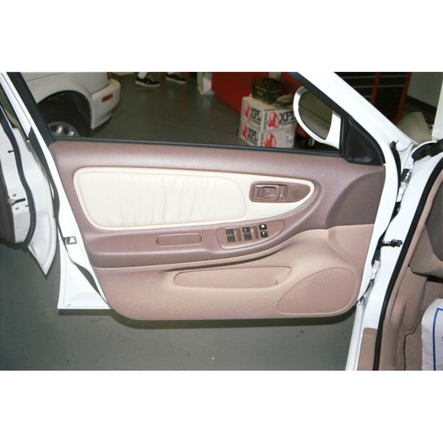 1998 Nissan Altima Front door speaker location