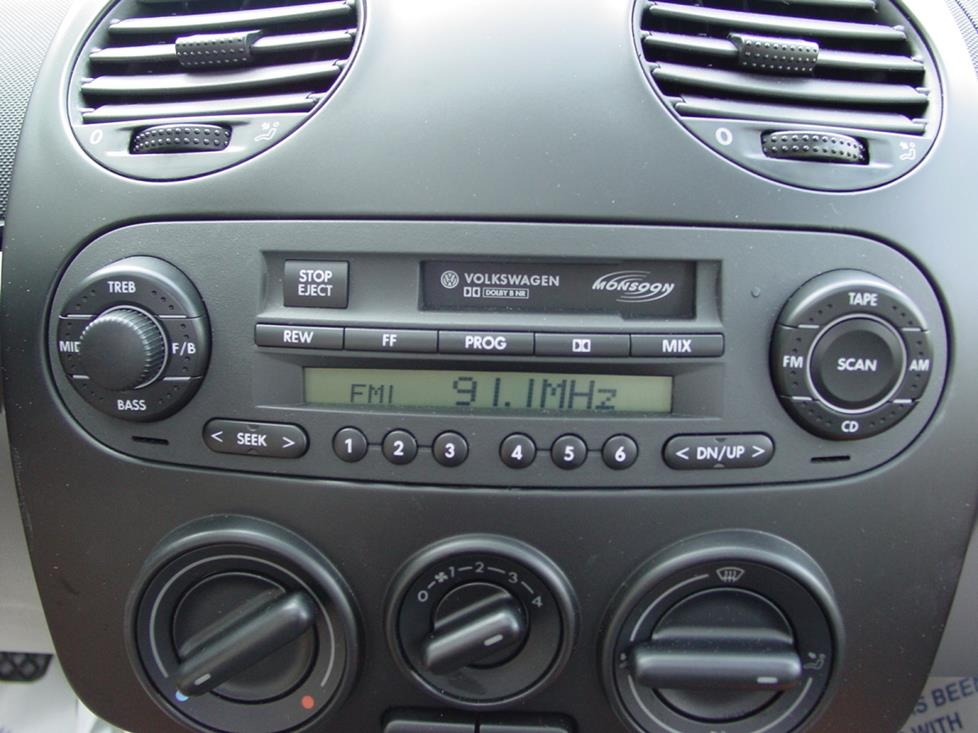 vw beetle base radio stereo