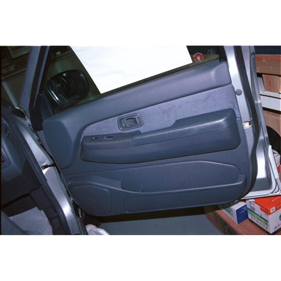 1999 Nissan Pathfinder Front door speaker location